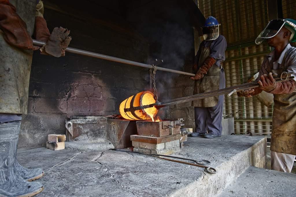 Goldbergbau in Afrika, nicht immer einfach, aber chancenreich